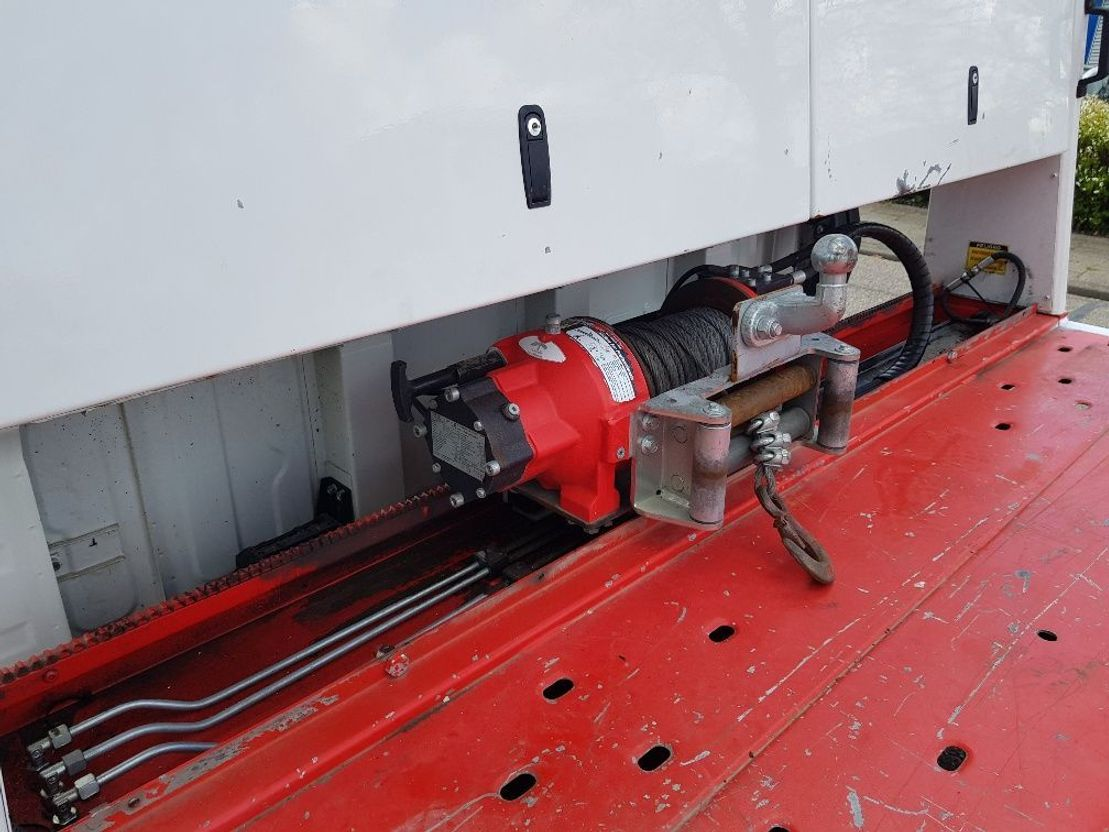 autotransporter vrachtwagen FUSO 7C18 Dubbel Cabine Autotransporter schuifplateau