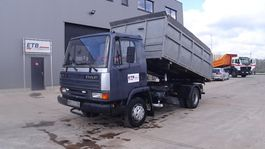 kipper vrachtwagen > 7.5 t DAF 45 ATI 150 (FULL STEEL SUSPENSION / MANUAL PUMP) 1991