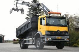 kipper vrachtwagen > 7.5 t Mercedes-Benz Atego 1823 AK !!4x4!! CRANE RADIO REMOTE!! 3-sided Tipper!!MANUELL GEARBOX!! 2003