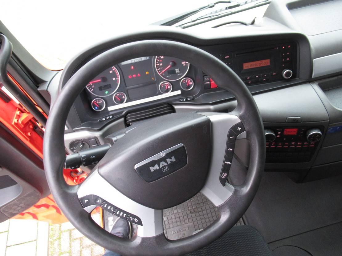 autotransporter vrachtwagen MAN TGA 26 6X2 Oprijvrachtwagen Euro 5 2011