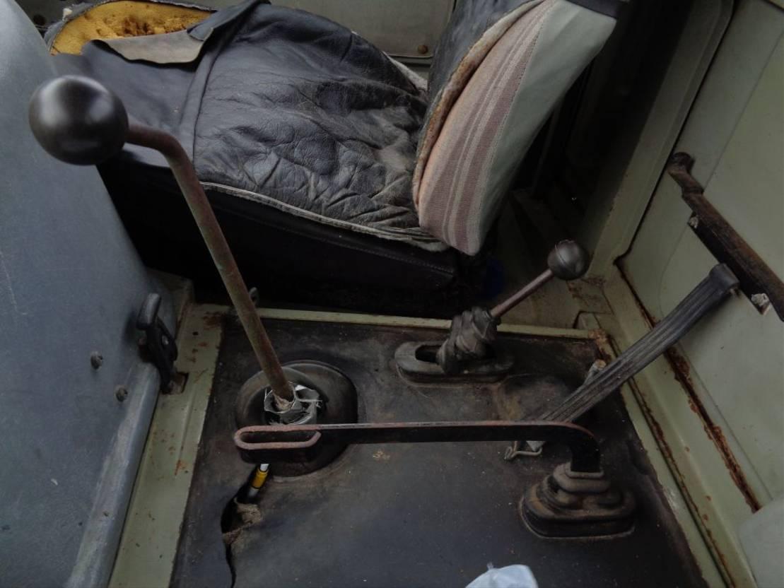 platform vrachtwagen Mercedes-Benz Unimog + Manual + only 55.492 KM + Brakes need Repair 1974