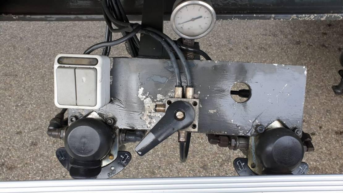 kipper aanhanger Bulthuis Kipper 3 asser Aluminium 40 m3 kuub 2005