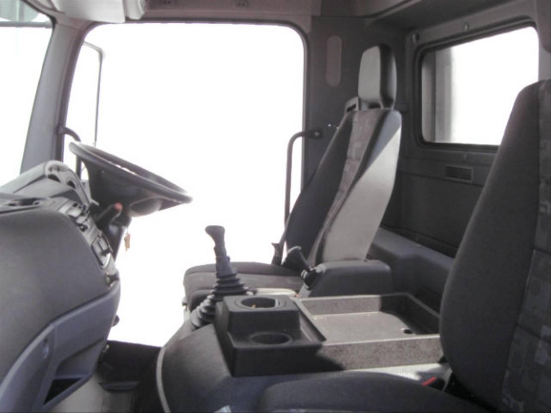 chassis cabine vrachtwagen Mercedes-Benz Axor 2633 K/39 6x4 RHD Axor 2633 K/39 6x4 RHD 2008