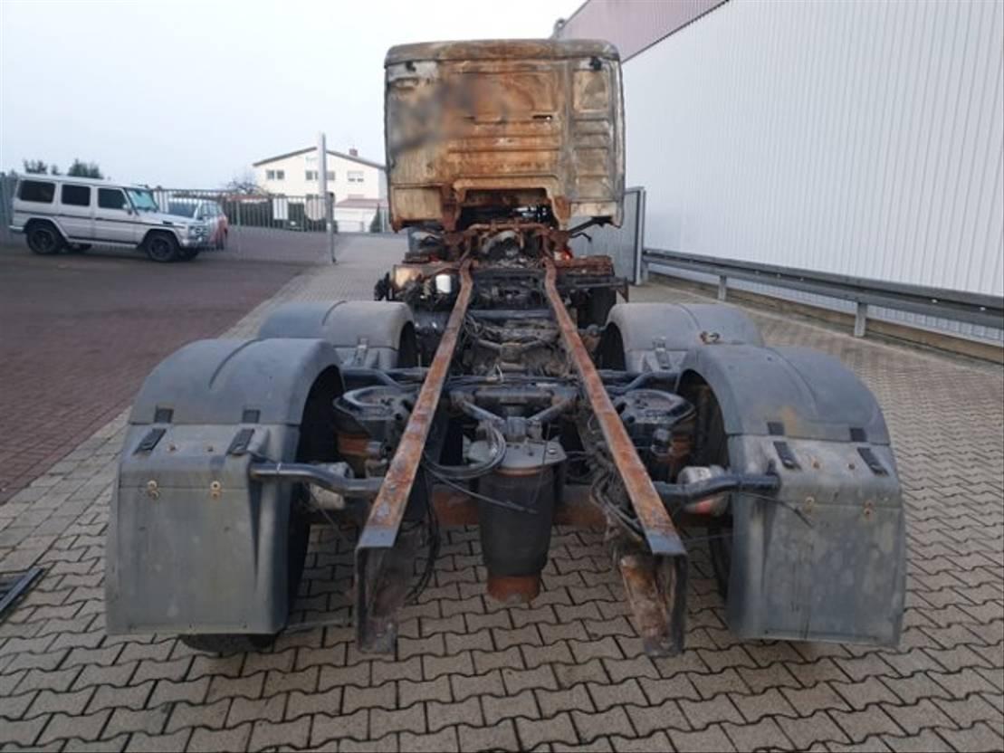 chassis cabine vrachtwagen MAN TGA 26 6x2 BL Brandschaden TGA 26.440 6x2 BL Brandschaden 2007