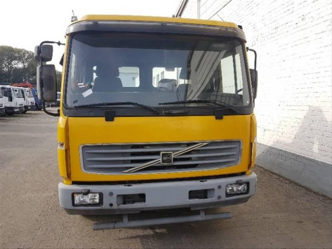 autotransporter vrachtwagen Volvo L FL 612 L, Abschleppwagen Hubbrille 3 to 2001