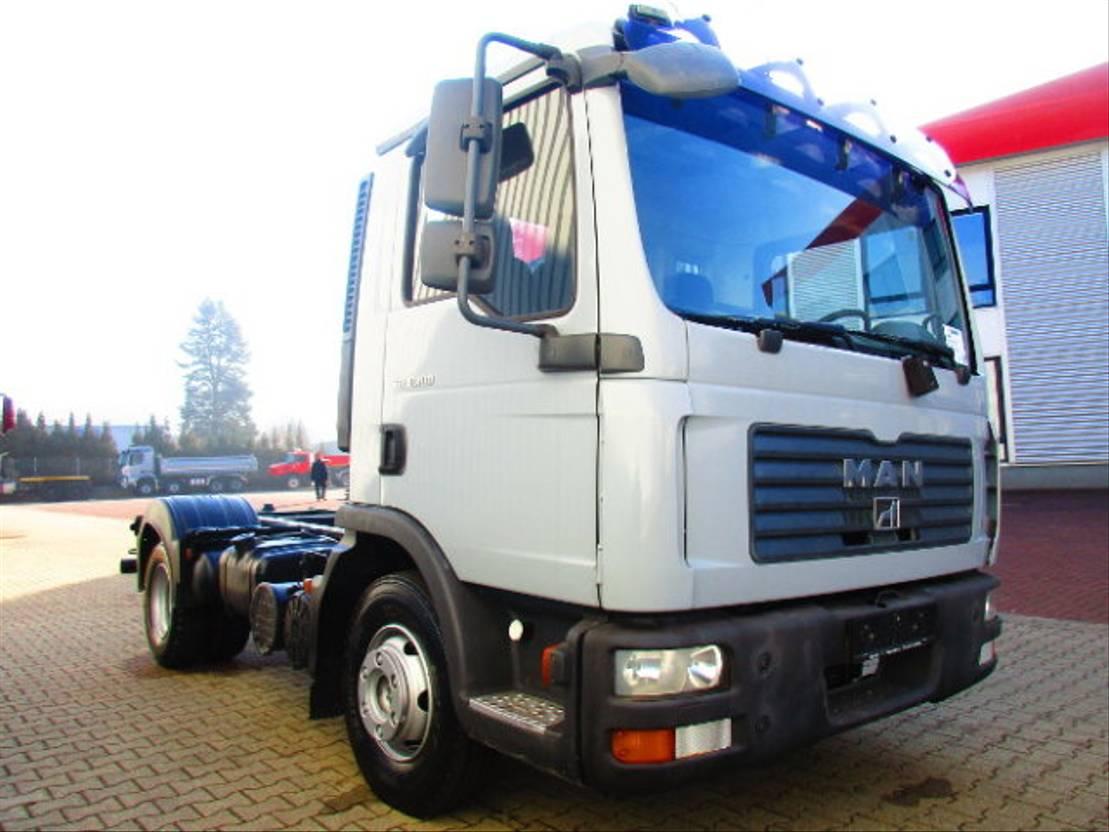 autotransporter vrachtwagen MAN TGL 8 4x2 BB TGL 8.180 4x2 BB, Falcom Hubbrille FAW 3000, teleskopierbar 2007