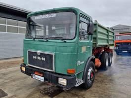 kipper vrachtwagen > 7.5 t MAN 26.321 6x4 meiller tipper 1983