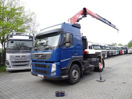 standaard trekker Volvo FM 420 mit Kran FASSI 175 2012