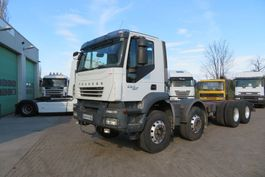 chassis cabine vrachtwagen Iveco TRAKKER 450 8X4 FULL SPRING (FRANCE TRUCK),  BIG AXELS, GOOD TYRES, AIRCO! 2007