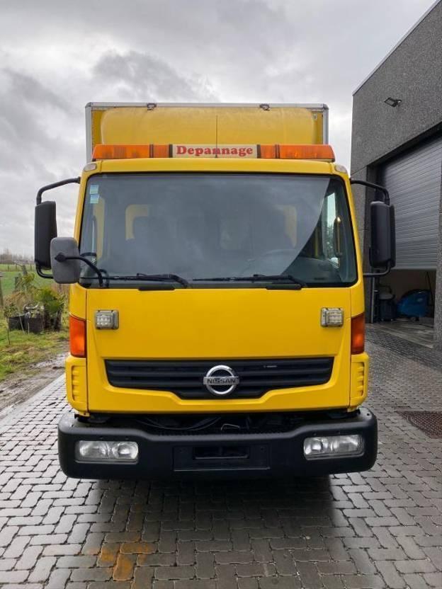 autotransporter vrachtwagen Nissan ATLEON  AUTOTRANSPORT 2001