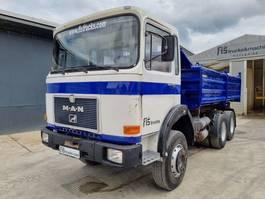 kipper vrachtwagen > 7.5 t MAN 26.361 6X4 meiller tipper 1987