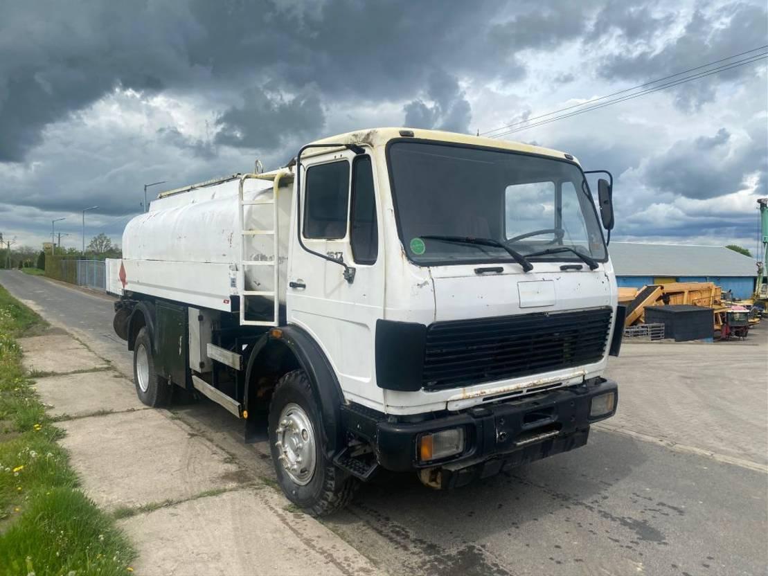 takelwagen-bergingswagen-vrachtwagen Mercedes-Benz 1617 1985