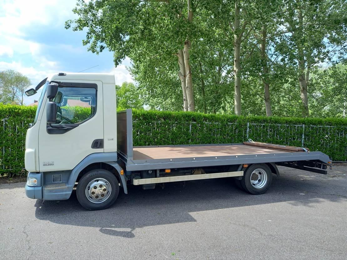autotransporter vrachtwagen DAF LF 45 220 EURO 5 2008
