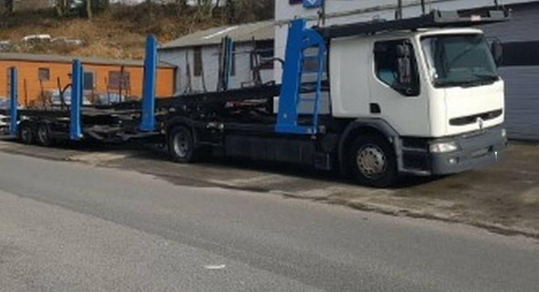 autotransporter vrachtwagen Renault PREMIUM+ AUFLIEGER 8PKW´S 2000