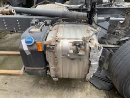 Uitlaatsysteem vrachtwagen onderdeel Scania Uitlaat demper dpf + adblue tank euro 6 2016