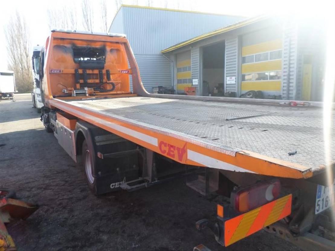 takelwagen-bergingswagen-vrachtwagen Renault Gamme D 2020