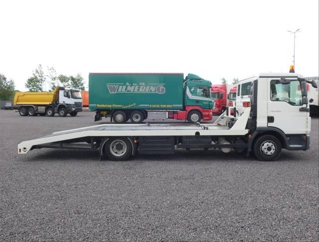 autotransporter vrachtwagen MAN 8.220 TGL mit Wellmeyer Aufbau Winde Klima 2013