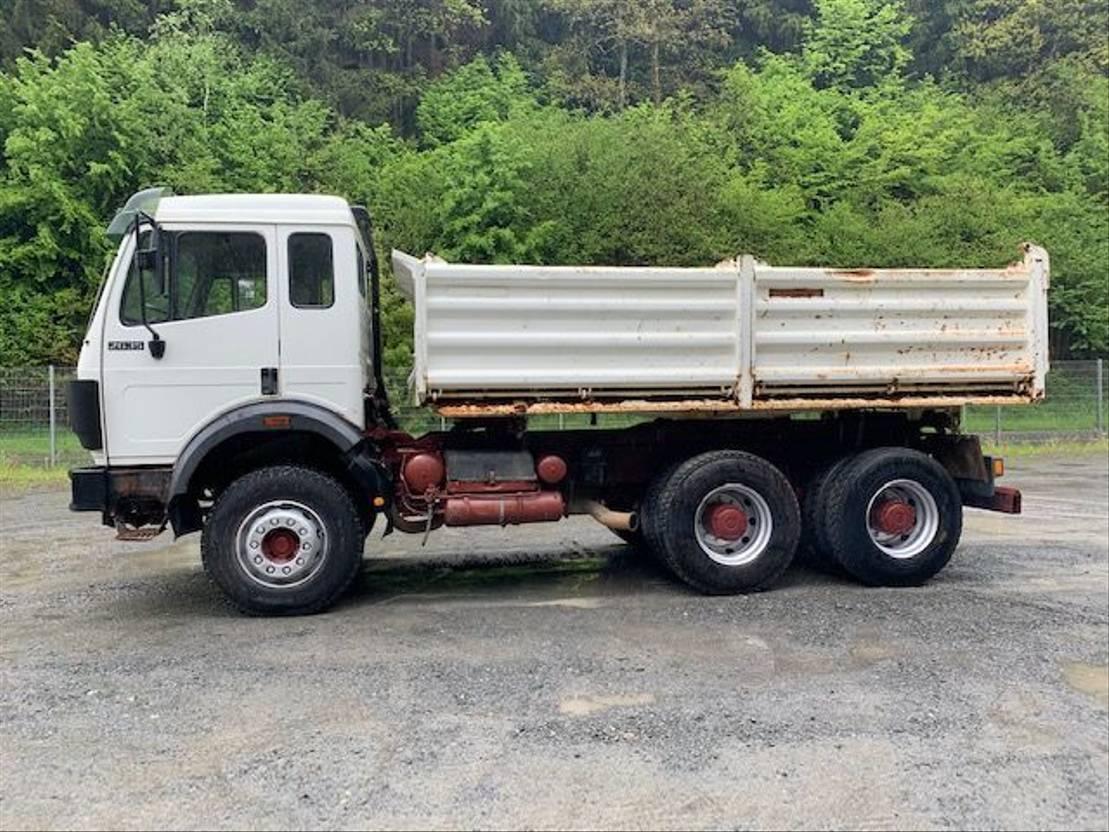 driezijdige kipper vrachtwagen Mercedes-Benz 2635 K ** Meiller / M-Haus / Schaltung ** 1991
