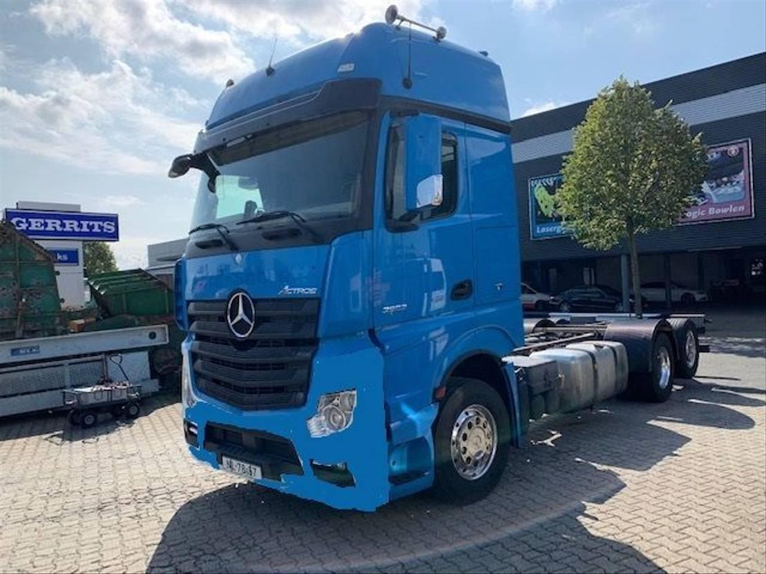 chassis cabine vrachtwagen Mercedes-Benz 2563 Actros 4 X IN STOCK 2014