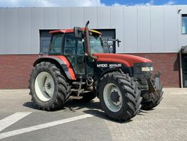 standaard tractor landbouw New Holland M100 1999