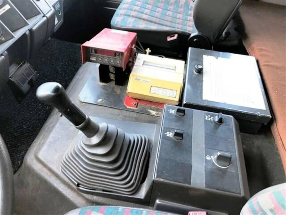chassis cabine vrachtwagen Mercedes-Benz 2531 6x4 Chassis/Fahrgestell/Handschaltung 1995