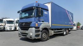 bakwagen vrachtwagen Mercedes-Benz Axor 2536 Koffer + Laadklep 2010