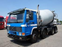 betonmixer vrachtwagen Volvo FL 10 FL10-320 8X4 BIG AXEL BETON MIXER 1997