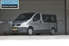 minivan - personenbus Renault Personenbus 2.0 dCi T27 L1H1 Authentique 2010