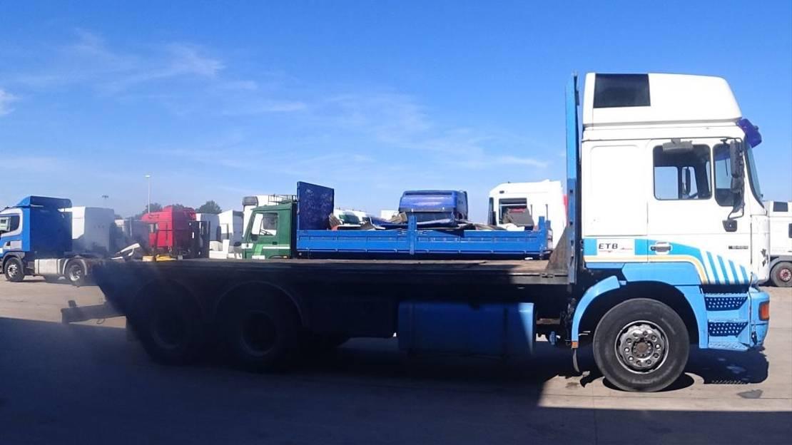 platform vrachtwagen MAN 26.464 (6 CYLINDER ENGINE WITH ZF-GEARBOX / EURO 2 / 6X4 / 10 TIRES) 1999