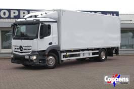 bakwagen vrachtwagen Mercedes-Benz 1827 L 2017