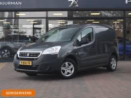gesloten bestelwagen Peugeot 120 1.6 BlueHDi 100 L1 Premium Parkeersensoren achter, Airco. LMV 2018