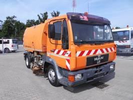 Veegmachine vrachtwagen MAN 10.163 2004