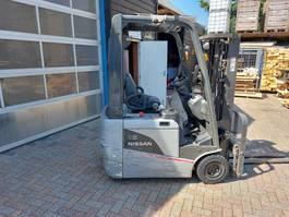 vorkheftruck Nissan 1800 kilo triplo sideshift elektrische heftruck 2007