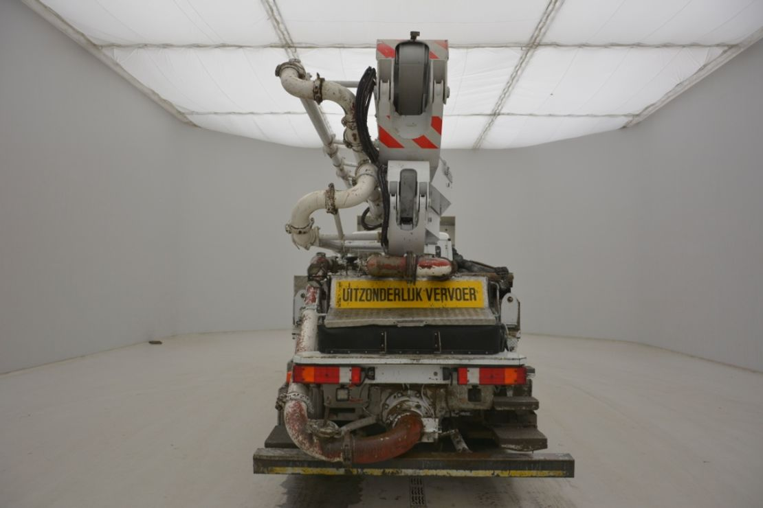 betonpomp vrachtwagen Mercedes-Benz Actros 4141 8x4 POMP SERMAC 5Z41m 2615h 2012