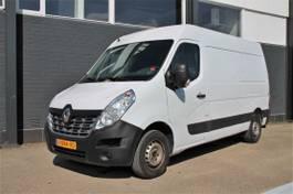 gesloten bestelwagen Renault T35 2.3 dCi L2H2 - Airco - Navi - Cruise - € 15.950.-  Ex. 2019