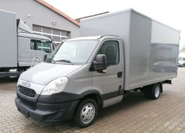 gesloten bestelwagen Iveco 35C15 4x2 Möbelkoffer 3-Sitzer Klima 2013