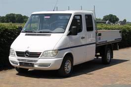 pick-up bedrijfswagen Mercedes-Benz 211 CDI 118000 KM OPEN LAADBAK DUBBEL CABINE 2003