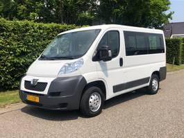 minivan - personenbus Peugeot Personenbus   9 persoons Airco   nette bus 2012
