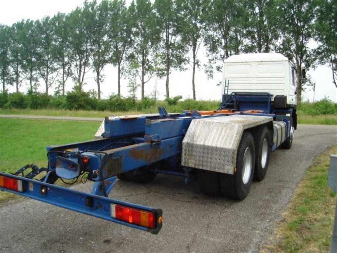 chassis cabine vrachtwagen MAN 26.372 /6X4/136628 KM/MANUAL/6 CIL