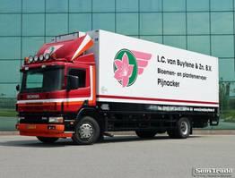 bakwagen vrachtwagen Scania P94 320 EURO 3 MANUAL GEARBOX TAIL LIFT 2004