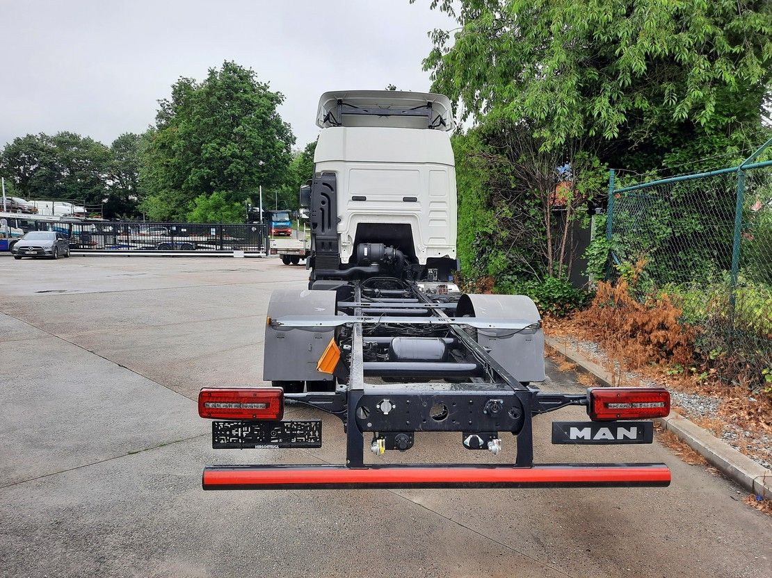 autotransporter vrachtwagen MAN TGL 8 FAHRGESTELL 2019