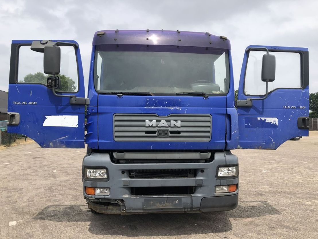 chassis cabine vrachtwagen MAN TGA 26 .460 chassis truck (Manual Injector pump) 2003