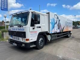 bakwagen vrachtwagen Volvo MANUAL LOW KM 1996