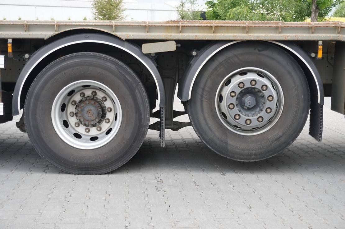 autotransporter vrachtwagen Iveco , EEV , 6X2 , 7,80m , CRANE HIAB 166-10m/6,200kg , R 2013