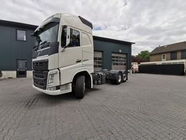 chassis cabine vrachtwagen Volvo FH500 2015 112986KM 6X2 STEERABLE AND LIFTABLE PTO DYNAMIC STEERING 2015