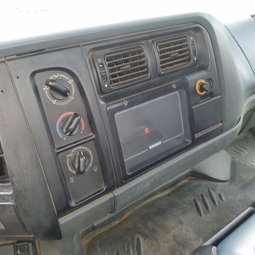 takelwagen-bergingswagen-vrachtwagen Renault Premium 260 4x2 EURO 2 RECOVERY VEHICULE MANUAL GEARBOX 1997