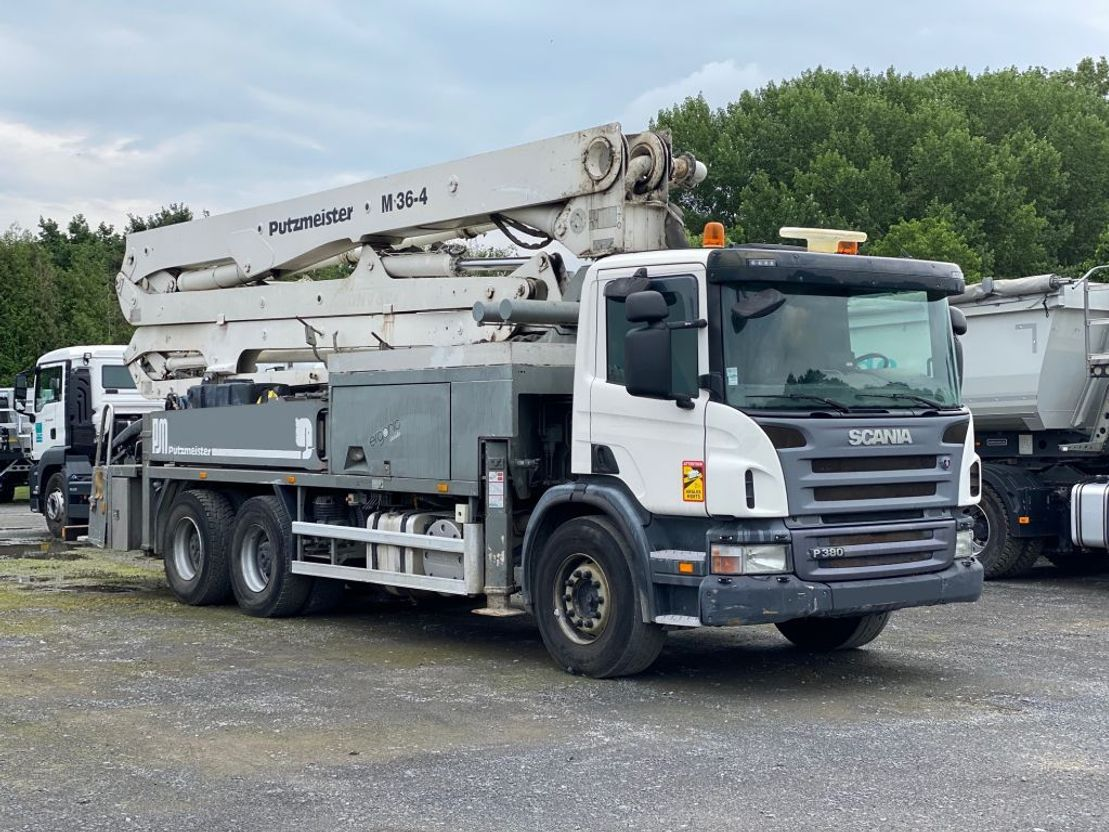 betonpomp vrachtwagen Scania P380 Putzmeister 36m 2009