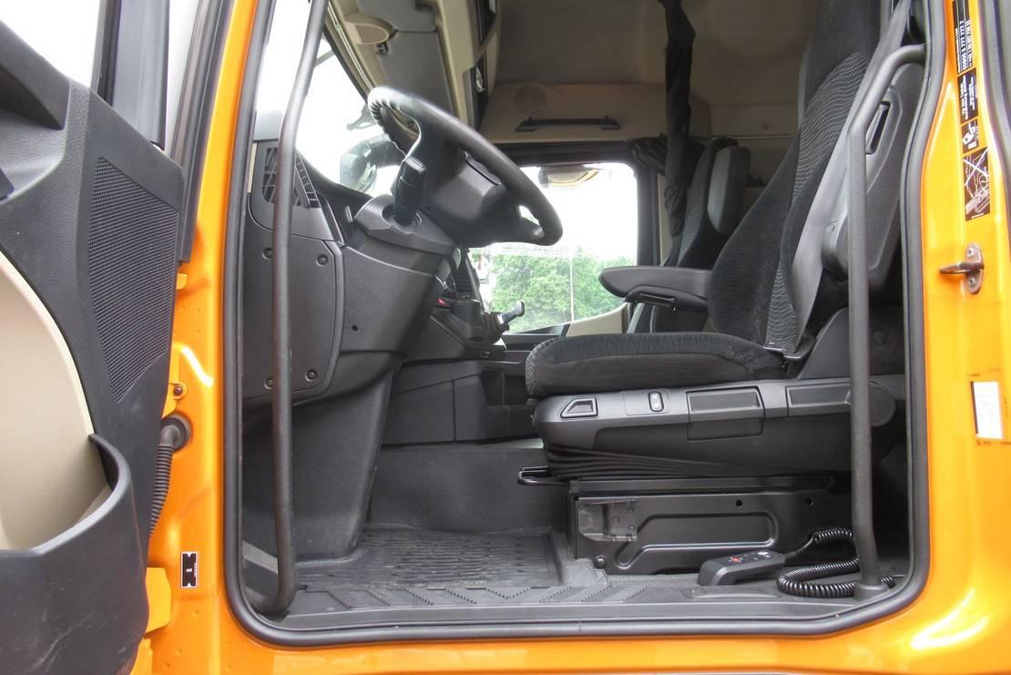 autotransporter vrachtwagen Mercedes-Benz 1840 LL oprijvrachtwagen 2015