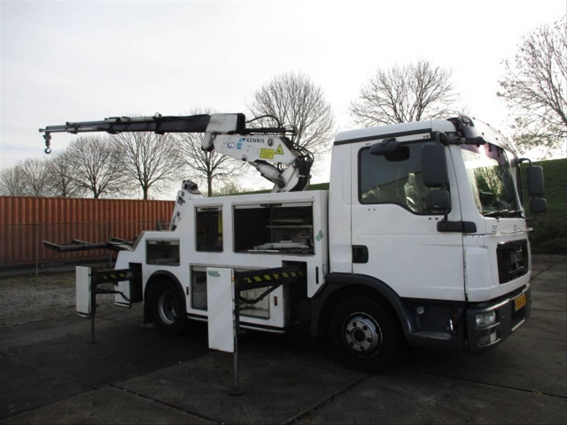 takelwagen-bergingswagen-vrachtwagen MAN TGL 12 4X2 BL Bergingstruck Ex-Overheid ! 2009