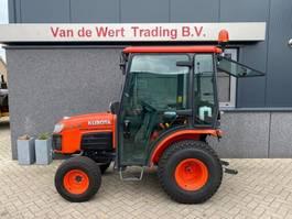 standaard tractor landbouw Kubota B2230 met cabine hydrostaat demo Airco 4x4 Diesel 2019 Kubota B2230 met cabine hydrostaat demo Airco 4x4 Diesel 2019 2019